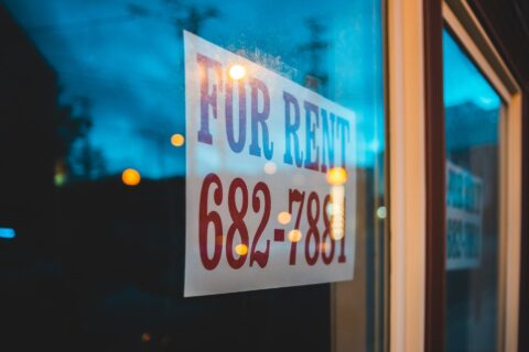 Arizona commercial real estate laws provide opportunity and protection to tenants who operate brick-and-mortar businesses. Here are the key laws to understand.