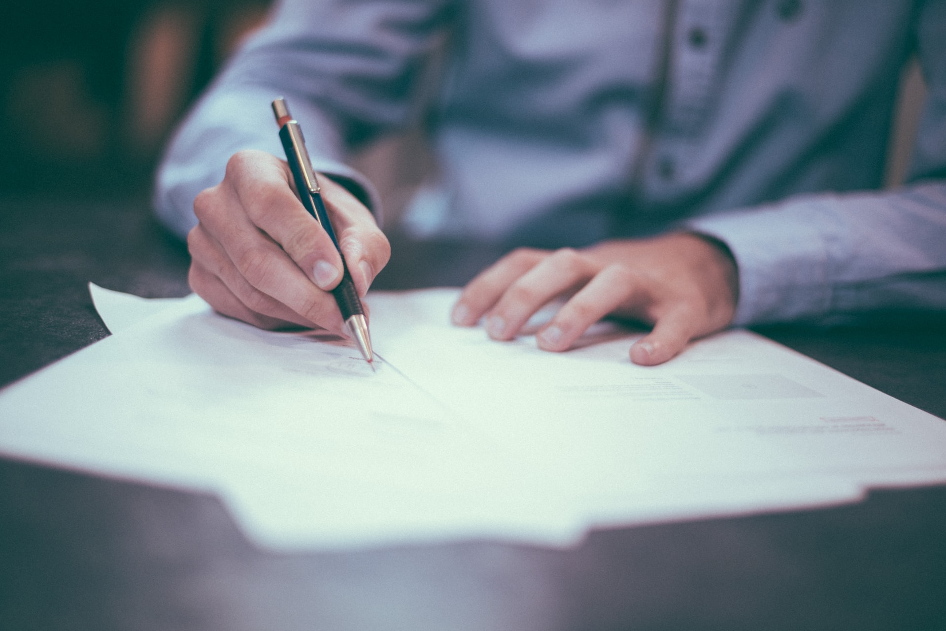 The fine print can be difficult to understand. For clarity, here's what happens if you breach a real estate contract in Arizona.