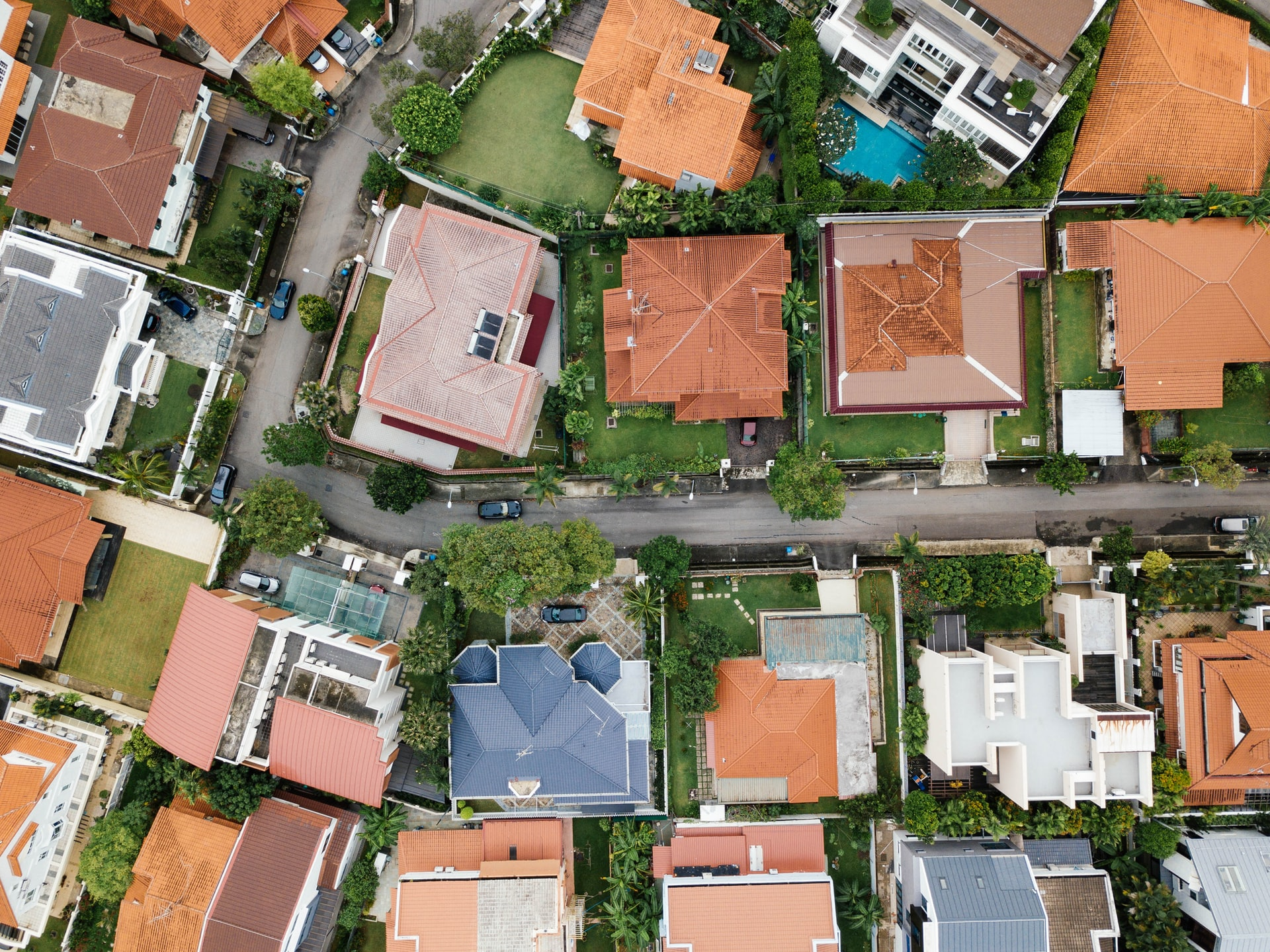 Setback ordinances are laws which govern how close you can build to property boundaries. The simple idea behind these laws is to keep residential and commercial buildings from being built too close together